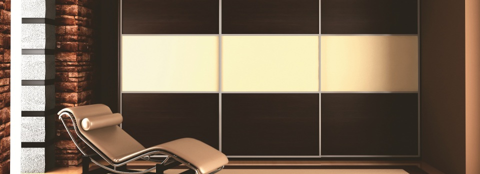 Façades de placard coulissantes à 3 vantaux avec décor mixte